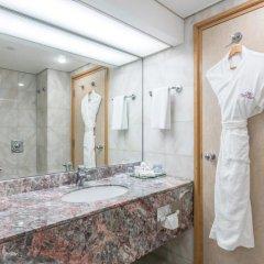 Отель Crowne Plaza Abu Dhabi 5* Стандартный номер с различными типами кроватей
