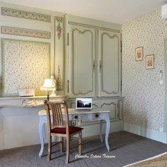 Hotel The Originals Domaine des Thômeaux (ex Relais du Silence) удобства в номере
