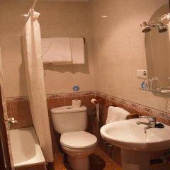 Отель Hostal El Pilar Стандартный номер с двуспальной кроватью фото 36