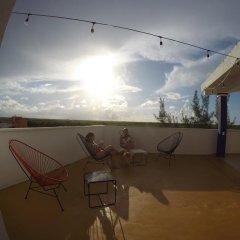 Отель The Mermaid Hostel Beach - Adults Only Мексика, Канкун - отзывы, цены и фото номеров - забронировать отель The Mermaid Hostel Beach - Adults Only онлайн балкон