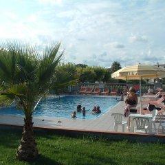 Отель Sea Breeze Скалея бассейн
