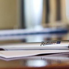 Отель Radisson Blu Hotel, Wroclaw Польша, Вроцлав - 1 отзыв об отеле, цены и фото номеров - забронировать отель Radisson Blu Hotel, Wroclaw онлайн фитнесс-зал фото 3