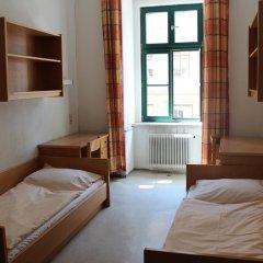 Отель Porzellaneum Стандартный номер с 2 отдельными кроватями (общая ванная комната) фото 5