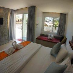 Отель TT Naiyang Beach Phuket 2* Улучшенный номер разные типы кроватей фото 10