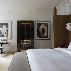 Four Seasons Hotel London at Ten Trinity Square 5* Номер Премьер с двуспальной кроватью фото 2