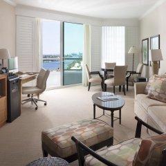 Отель Fontainebleau Miami Beach 4* Люкс с двуспальной кроватью фото 7