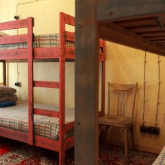 Хостел Trinity & Tours Кровать в общем номере с двухъярусной кроватью фото 16