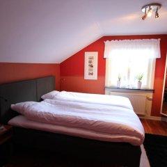 Отель At Home Bed & Breakfast Вестра Фрёлунда комната для гостей фото 4