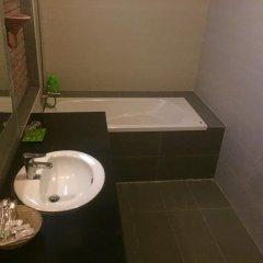 Отель B'Lan Homestay Вьетнам, Хойан - отзывы, цены и фото номеров - забронировать отель B'Lan Homestay онлайн ванная