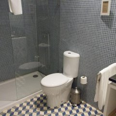 Отель YOURS GuestHouse Porto 4* Стандартный номер разные типы кроватей фото 8