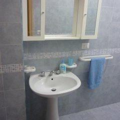 Отель Naxos Holiday Италия, Джардини Наксос - отзывы, цены и фото номеров - забронировать отель Naxos Holiday онлайн ванная