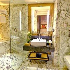 Отель Radisson Blu Jaipur 4* Улучшенный номер с двуспальной кроватью