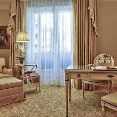 Отель Four Seasons George V Paris фото 13