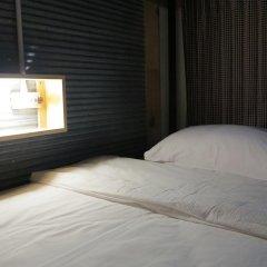ChillHub Hostel Phuket Кровать в женском общем номере с двухъярусной кроватью фото 4