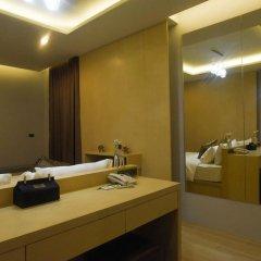 OneLoft Hotel 4* Номер Делюкс с двуспальной кроватью фото 2