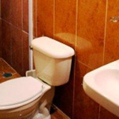 Отель Suites del Carmen - Pino Мехико ванная фото 2