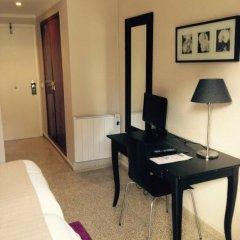 Отель Hostal Jakiton Стандартный номер с 2 отдельными кроватями фото 9