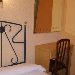 Отель Hostal Residencia Fernandez Испания, Мадрид - отзывы, цены и фото номеров - забронировать отель Hostal Residencia Fernandez онлайн удобства в номере