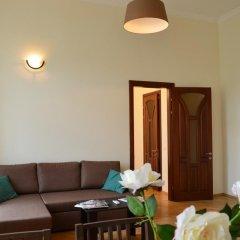 Апартаменты Rentday Apartments - Kiev комната для гостей фото 2