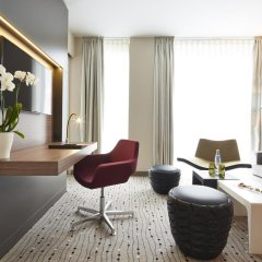 Steigenberger Hotel am Kanzleramt 5* Улучшенный номер с двуспальной кроватью фото 5