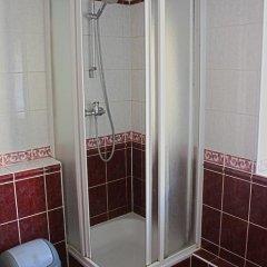 Отель Hostelgate Privates Литва, Вильнюс - 1 отзыв об отеле, цены и фото номеров - забронировать отель Hostelgate Privates онлайн ванная фото 2