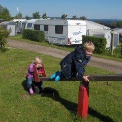 Отель Skovlund Camping & Cottages Боркоп спортивное сооружение