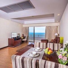 Отель D Varee Jomtien Beach 4* Представительский люкс с различными типами кроватей фото 12