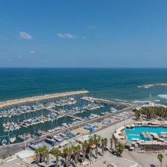 Herods Hotel Tel Aviv by the Beach 5* Представительский люкс с разными типами кроватей
