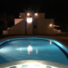 Отель Apartamentos Blue Beach Menorca 2 Испания, Кала-эн-Бланес - отзывы, цены и фото номеров - забронировать отель Apartamentos Blue Beach Menorca 2 онлайн бассейн