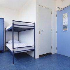 Hans Brinker Hostel Amsterdam Стандартный номер с 2 отдельными кроватями фото 2