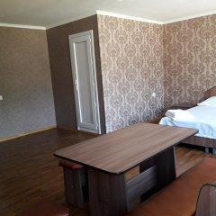 Отель Guest House on ul Yaltinskaya 121 A Кыргызстан, Бишкек - отзывы, цены и фото номеров - забронировать отель Guest House on ul Yaltinskaya 121 A онлайн комната для гостей фото 5