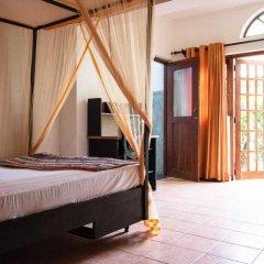 Отель Villa Taprobane сейф в номере