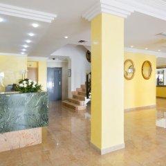 Отель Biniamar интерьер отеля фото 4