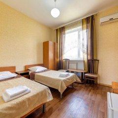Гостиница Кузбасс комната для гостей фото 2