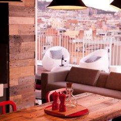 Отель Generator Barcelona Барселона гостиничный бар