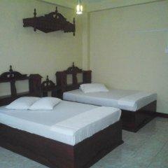 Alsevana Ayurvedic Tourist Hotel & Restaurant Стандартный номер с двуспальной кроватью