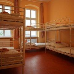 Happy Go Lucky Hotel + Hostel Кровать в общем номере фото 11