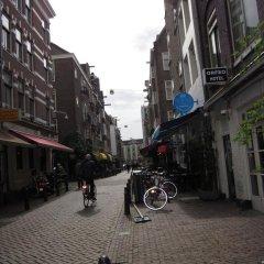 Amsterdam Hostel Uptown парковка