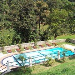 Отель OwinRich Resort бассейн