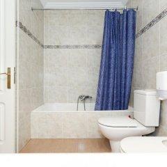 Отель Pensión Goiko Сан-Себастьян ванная