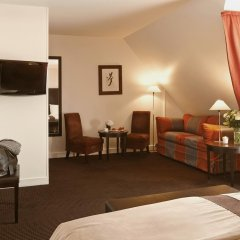 Plaza Tour Eiffel Hotel 4* Улучшенный номер с различными типами кроватей фото 2