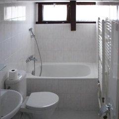 Hotel Jana / Pension Domov Mladeze Стандартный номер с различными типами кроватей фото 6