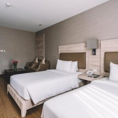 Отель Adelphi Suites Bangkok 4* Студия с различными типами кроватей фото 5