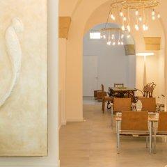 Отель Le Bifore Charming House Лечче интерьер отеля фото 2