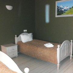 Гостиница 4 Peaks Guest House Стандартный семейный номер с двуспальной кроватью фото 7