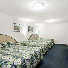 Отель Scottys Motel 3* Стандартный семейный номер с различными типами кроватей фото 2