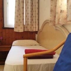 Momos Hostel Стандартный номер с разными типами кроватей (общая ванная комната) фото 8