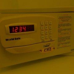 Отель White House Asoke Sukhumvit 18 2* Номер Делюкс разные типы кроватей