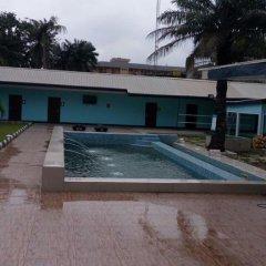 Primal Hotel Apapa бассейн