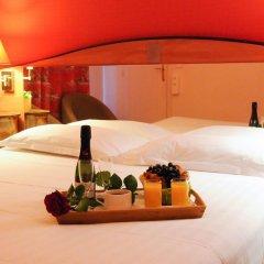 Отель Hôtel Eden Montmartre 3* Улучшенный номер с двуспальной кроватью фото 3